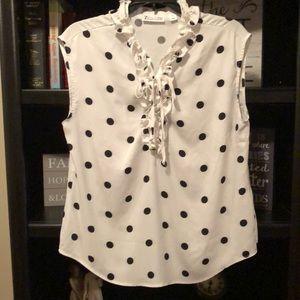 Polka Dot sleeveless shirt 😍